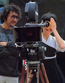 "Obayashi and Tomoyo Harada on the set of ""The Girl Who Leapt Through Time"""